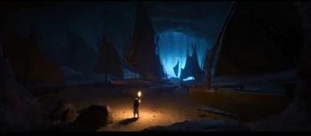 洞窟の中の船.jpg